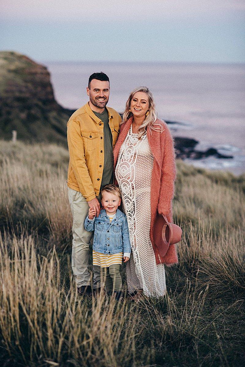 pregnancy portraits, lifestyle pregnancy portrait, little love stories, lifestyle portraits, family portraits